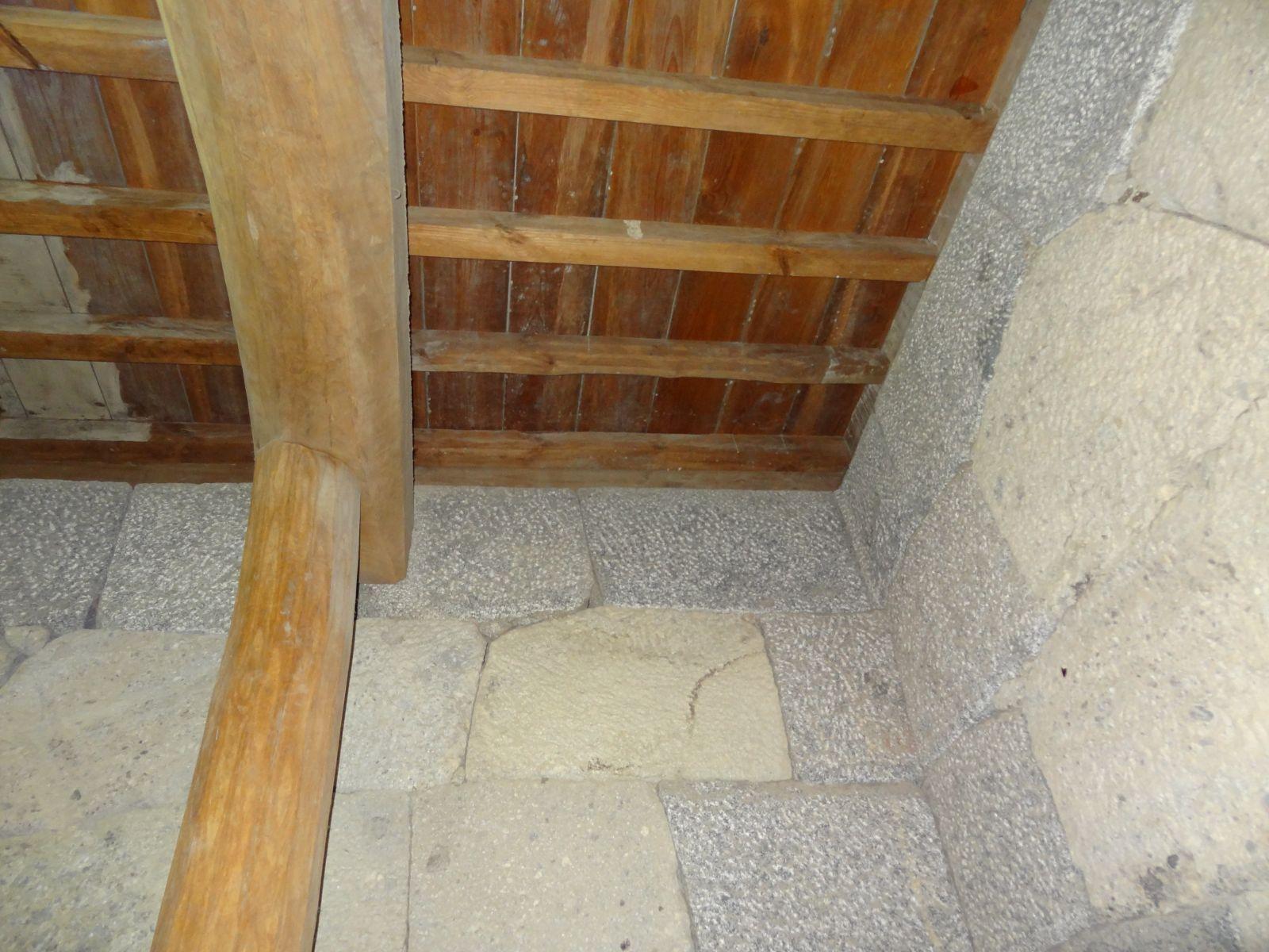 松山城天守閣地下一階(米蔵)の写真です。クリックすると拡大します。