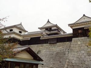 松山城本丸本壇の写真です。クリックすると拡大します。