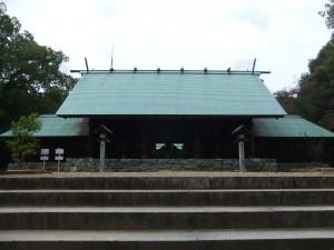 松山城東雲口登山道の登り口にある、東雲神社境内の写真です。クリックすると拡大します。