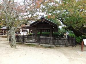 松山城本丸(勝山頂上)内にある井戸の写真です。クリックすると拡大します。