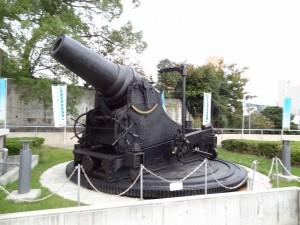 大砲の写真です。クリックすると拡大します。