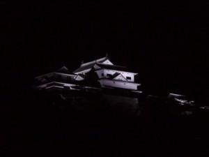 松山城ライトアップの写真です。クリックすると拡大します。