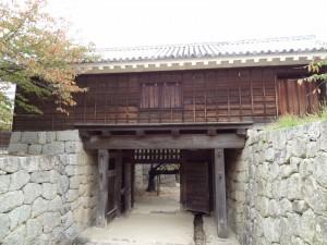 松山城、太鼓門裏側の写真です。クリックすると拡大します。