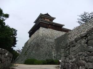 松山城本丸、太鼓櫓の写真です。クリックすると拡大します。