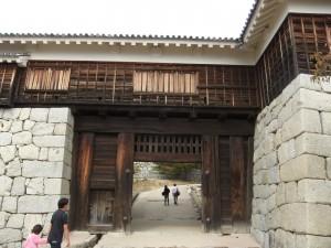 松山城、筒井門の写真です。クリックすると拡大します。