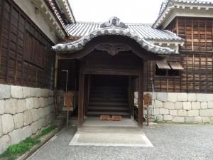 松山城玄関多聞の写真です。クリックすると拡大します。