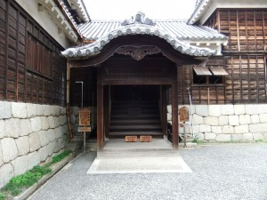 松山城、本丸本壇玄関多聞の写真です。クリックすると拡大します。