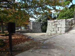 松山城、大手門跡の写真です。クリックすると拡大します。