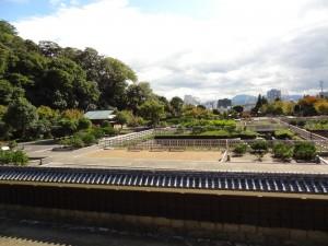 登城層より見た、松山城二之丸の写真です。クリックすると拡大します。