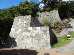 松山城、黒門口付近の石垣の写真です。クリックすると拡大します。