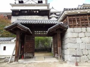 松山城、紫竹門の写真です。クリックすると拡大します。