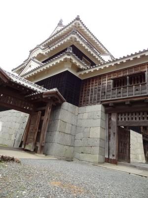 松山城大天守の写真です。クリックすると拡大します。