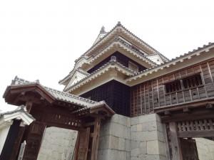 松山城、天守閣の写真です。クリックすると拡大します。